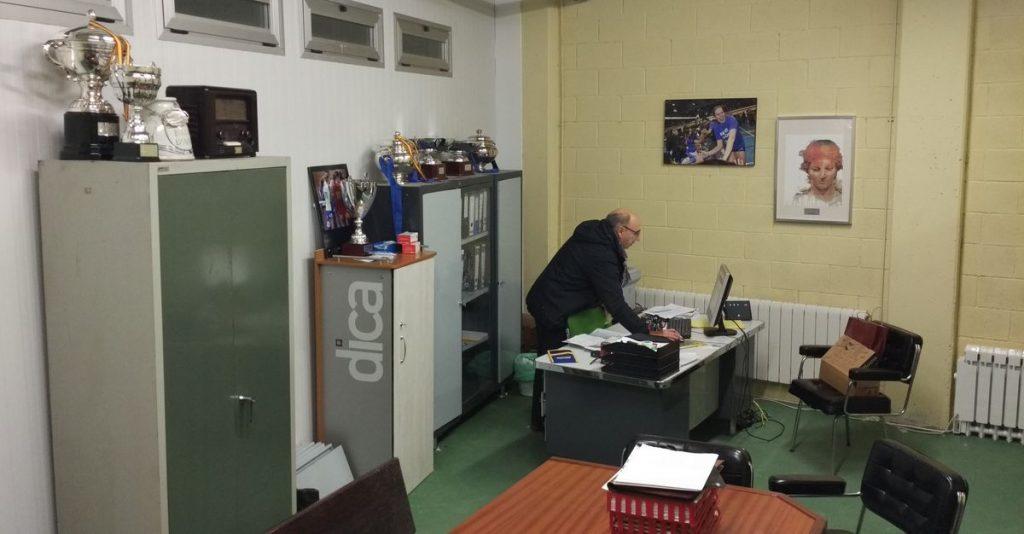 Traslado de la sede social del club al estadio municipal de El Mazo