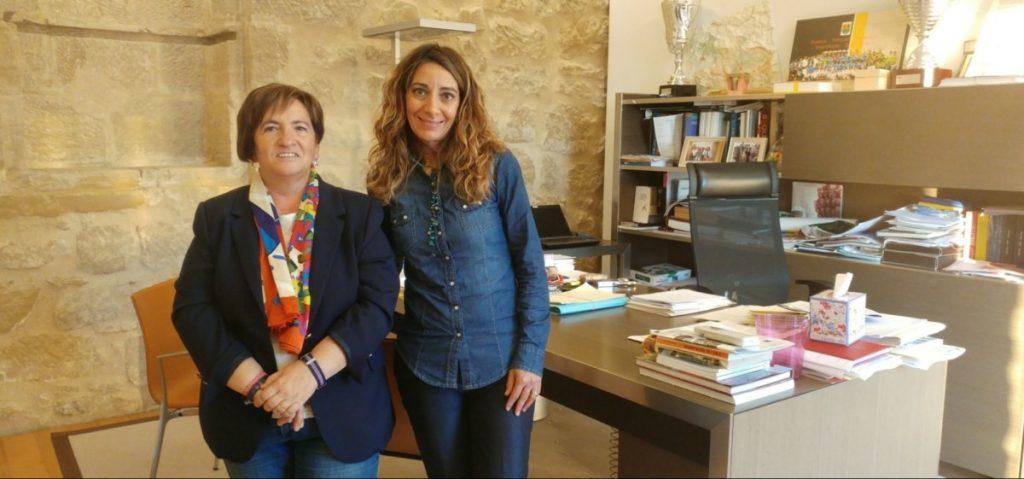 El Haro Rioja Voley firma un convenio de colaboración con el Ayuntamiento de Labastida